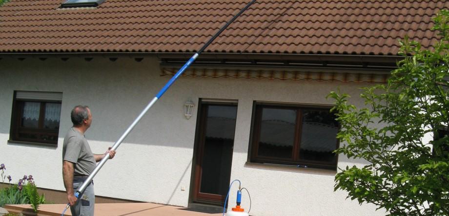 Dach- und Wandreinigung